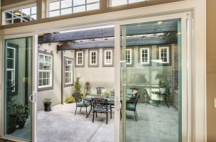 025_Courtyard-Entryway