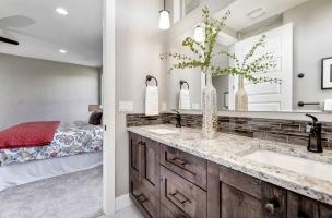 032_Master-Bathroom-