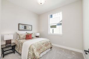 036_Bedroom-