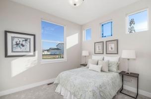 039_Bedroom-