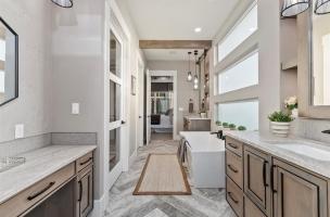 033-Master-Bathroom