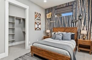 041-Bedroom