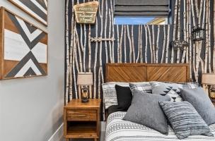 044-Bedroom
